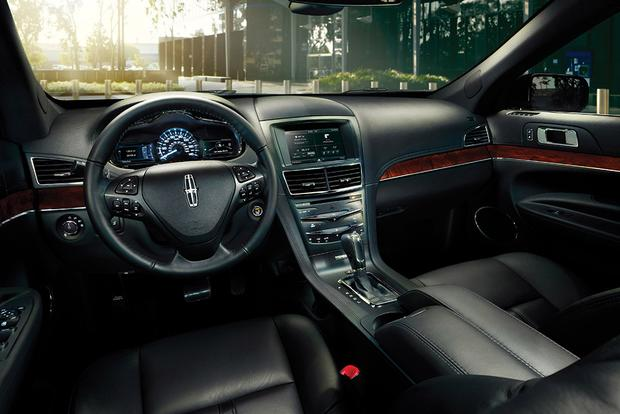 2015 Lincoln MKT: New Car Review featured image large thumb5