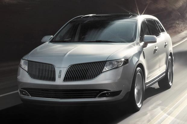 2015 Lincoln MKT: New Car Review featured image large thumb0