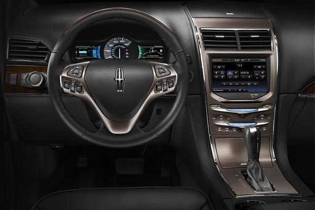 2015 Lincoln MKX: New Car Review featured image large thumb4
