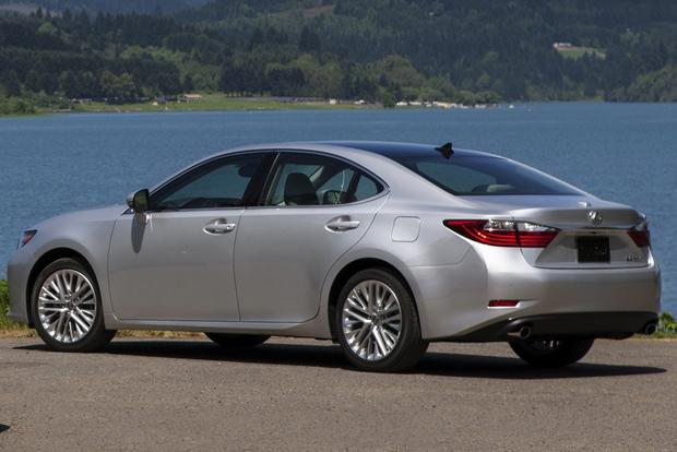 2014 Lincoln MKZ vs. 2014 Lexus ES 350: Which Is Better? featured image large thumb1