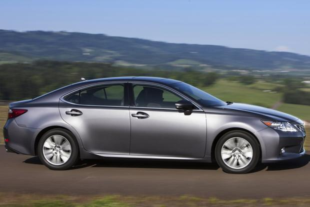 2014 Lincoln MKZ vs. 2014 Lexus ES 350: Which Is Better? featured image large thumb7