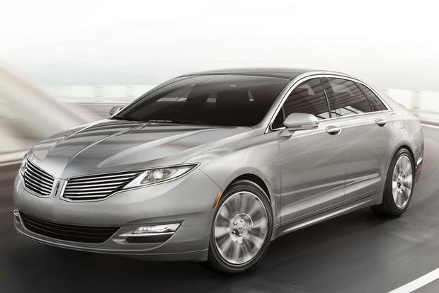2014 Lincoln MKZ vs. 2014 Lexus ES 350: Which Is Better? featured image large thumb10