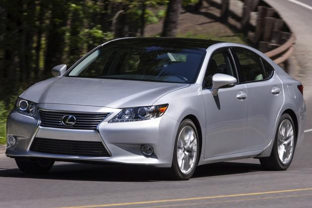 2014 Lincoln MKZ vs. 2014 Lexus ES 350: Which Is Better? featured image large thumb11