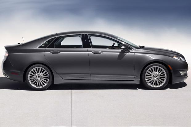 2014 Lincoln MKZ vs. 2014 Lexus ES 350: Which Is Better? featured image large thumb6