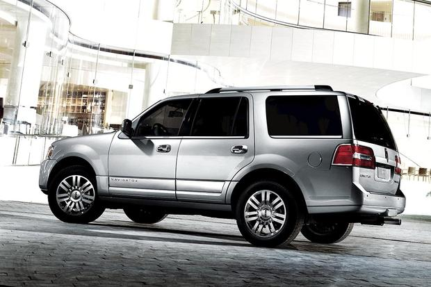 2011 Lincoln Navigator: Used Car Review featured image large thumb5