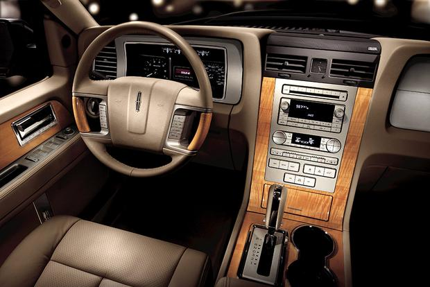 2010 Lincoln Navigator: Used Car Review featured image large thumb5