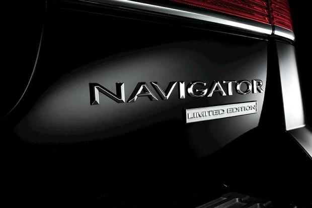 2011 Lincoln Navigator: Used Car Review featured image large thumb4
