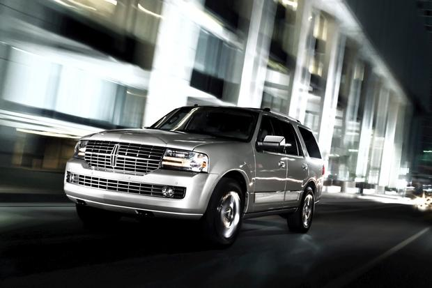 2014 Lincoln Navigator: New Car Review featured image large thumb0