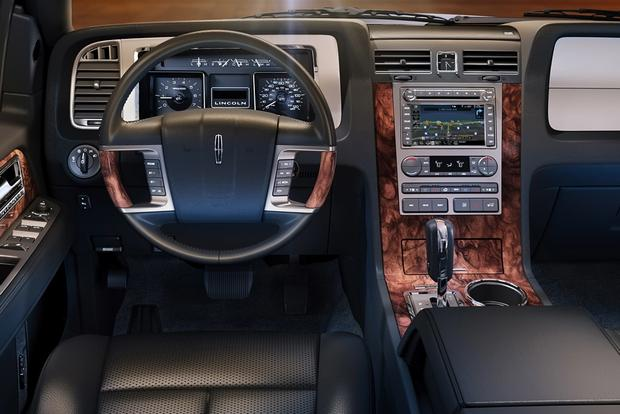 2014 Lincoln Navigator: New Car Review featured image large thumb4