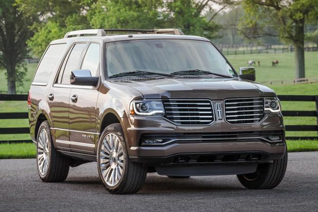 2015 Lincoln Navigator: New Car Review featured image large thumb0