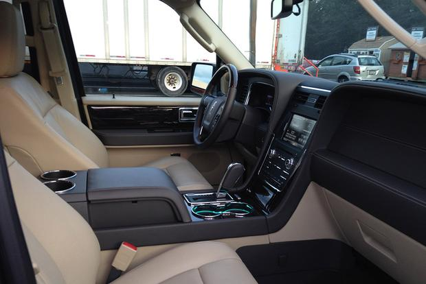 2015 Lincoln Navigator: Real World Review featured image large thumb8