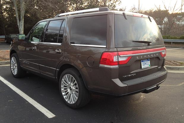 2015 Lincoln Navigator: Real World Review featured image large thumb2