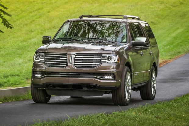 2017 Lincoln Navigator: New Car Review featured image large thumb3