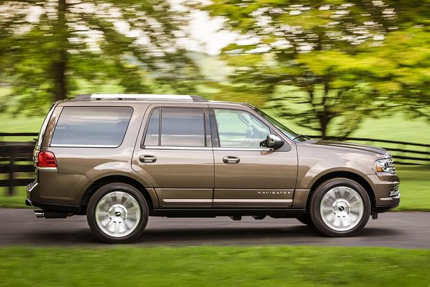 2017 Lincoln Navigator: New Car Review featured image large thumb5