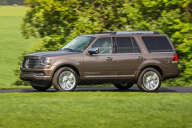 2017 Lincoln Navigator: New Car Review featured image large thumb0