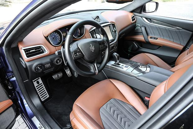 2016 Maserati Ghibli: Overview featured image large thumb4
