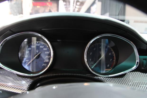 2014 Maserati Quattroporte: Detroit Auto Show featured image large thumb10