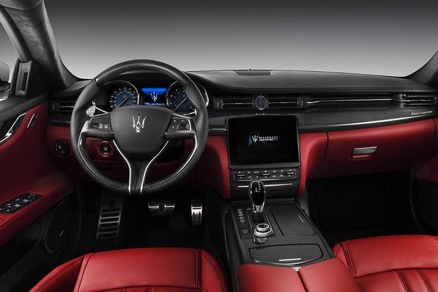 2017 Maserati Quattroporte: Overview featured image large thumb5