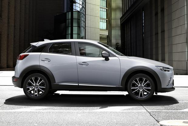 volvo xc90 inscription vs r design with 2015 Mazda Cx 9 on De Nieuwe Volvo Xc60 besides Volvo Xc90 T8 Twin Engine Live Images Video Geneva further Video Volvo Xc40 Stylish Bmw X1  petitor Youths likewise Volvo Xc90 2017 Interior India likewise 2015 Mazda CX 9.