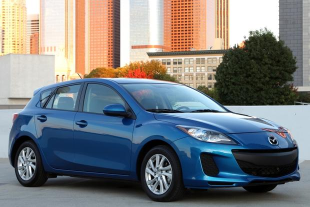 2013 vs 2014 mazda3 autotrader. Black Bedroom Furniture Sets. Home Design Ideas