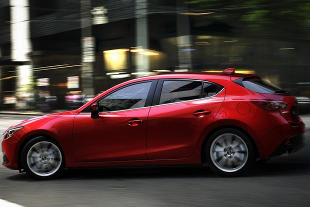 2013 vs. 2014 Mazda3 featured image large thumb6