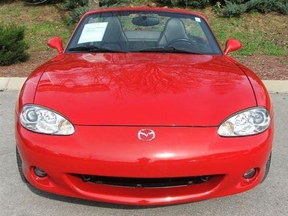 2005 Mazda Mx-5 Miata: Image Gallery featured image large thumb1
