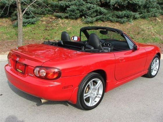 2005 Mazda Mx-5 Miata: Image Gallery featured image large thumb2
