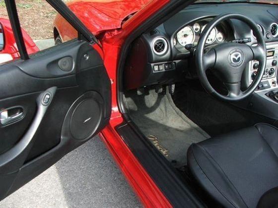 2005 Mazda Mx-5 Miata: Image Gallery featured image large thumb6