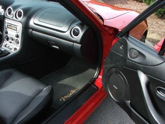 2005 Mazda Mx-5 Miata: Image Gallery featured image large thumb8