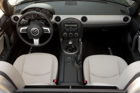 2012 Mazda MX-5 Miata: New Car Review featured image large thumb9