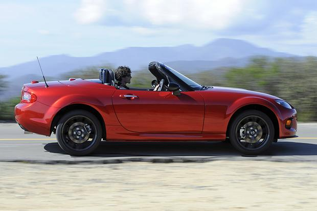 2015 vs. 2016 Mazda MX-5 Miata: What's the Difference? featured image large thumb5