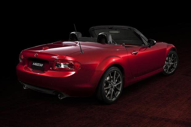 2015 vs. 2016 Mazda MX-5 Miata: What's the Difference? featured image large thumb8