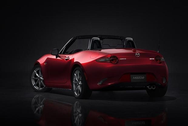 2015 vs. 2016 Mazda MX-5 Miata: What's the Difference? featured image large thumb4