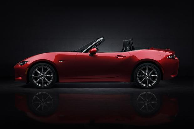 2015 vs. 2016 Mazda MX-5 Miata: What's the Difference? featured image large thumb6