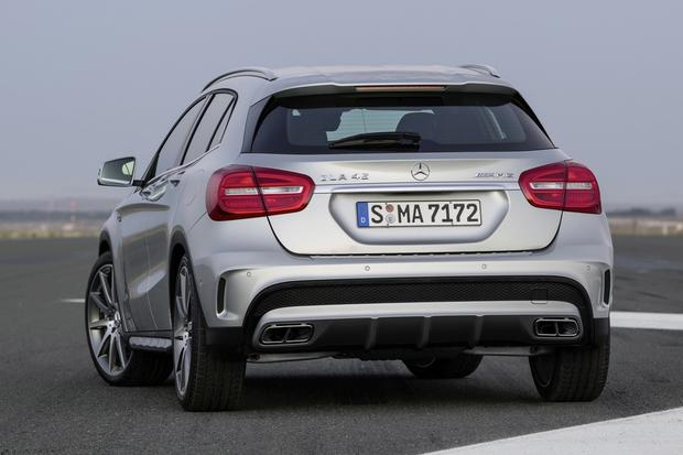 2015 Mercedes-Benz GLA-Class: New Car Review featured image large thumb1