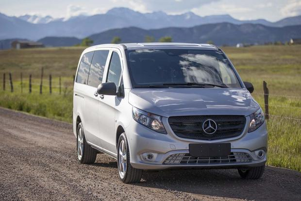 2016 Mercedes-Benz Metris vs. 2016 Mercedes-Benz Sprinter: What's the Difference? featured image large thumb11
