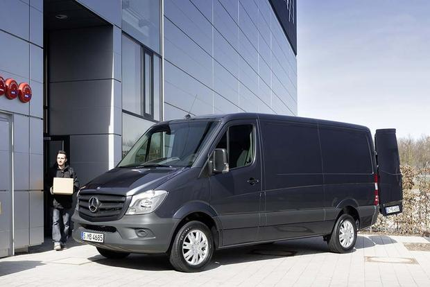 2016 Mercedes-Benz Metris vs. 2016 Mercedes-Benz Sprinter: What's the Difference? featured image large thumb4
