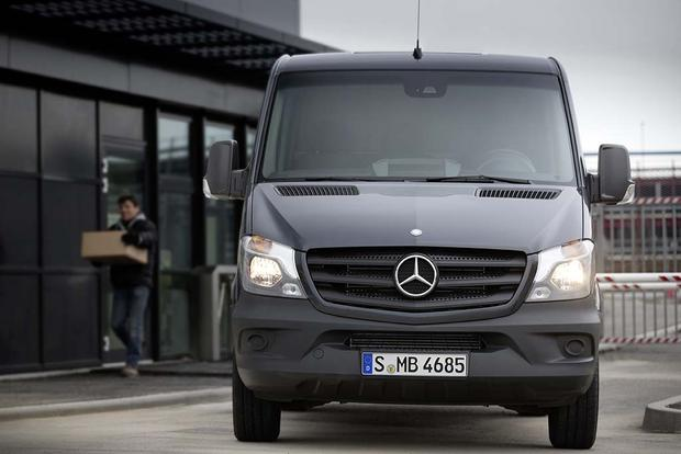 2016 Mercedes-Benz Metris vs. 2016 Mercedes-Benz Sprinter: What's the Difference? featured image large thumb6