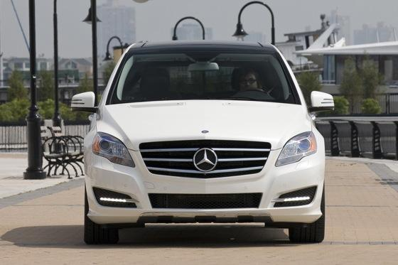 2012 Mercedes-Benz R-Class: New Car Review featured image large thumb1