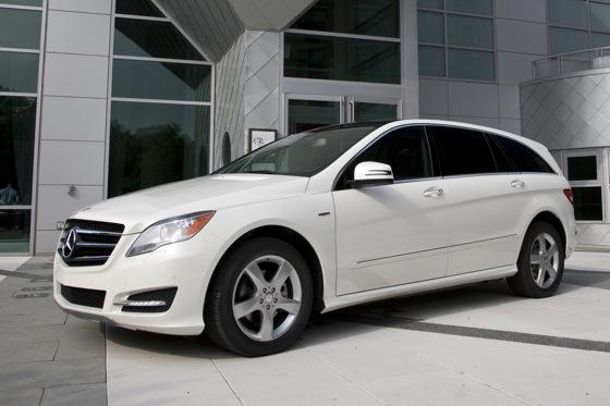 2012 Mercedes-Benz R-Class: New Car Review featured image large thumb5