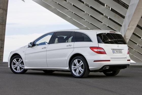 2012 Mercedes-Benz R-Class: New Car Review featured image large thumb11