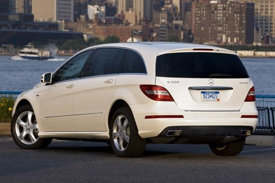 2012 Mercedes-Benz R-Class: New Car Review featured image large thumb16