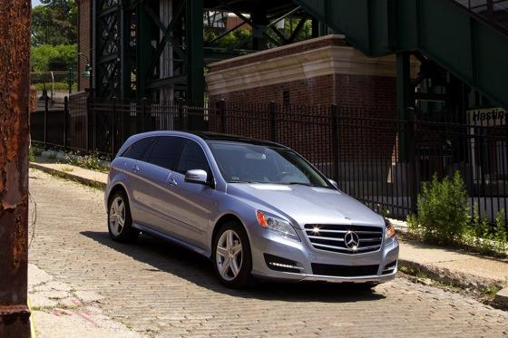 2012 Mercedes-Benz R-Class: New Car Review featured image large thumb17