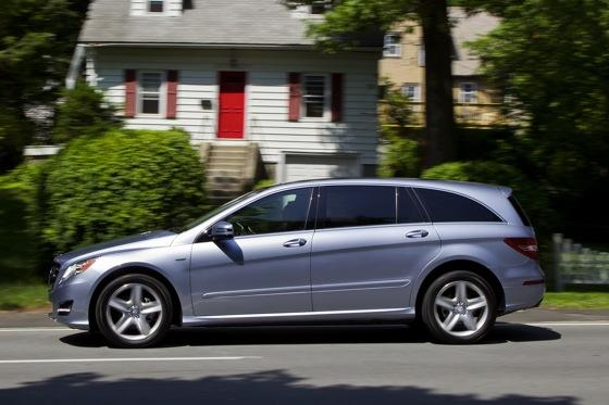 2012 Mercedes-Benz R-Class: New Car Review featured image large thumb19