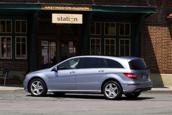 2012 Mercedes-Benz R-Class: New Car Review featured image large thumb22