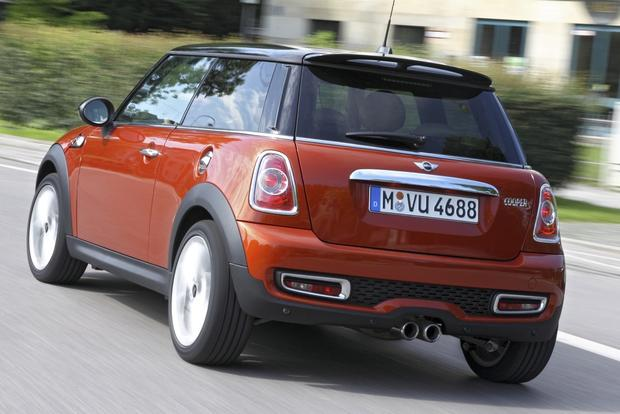 2013 Mini Cooper Hatchback and Convertible: New Car Review featured image large thumb3