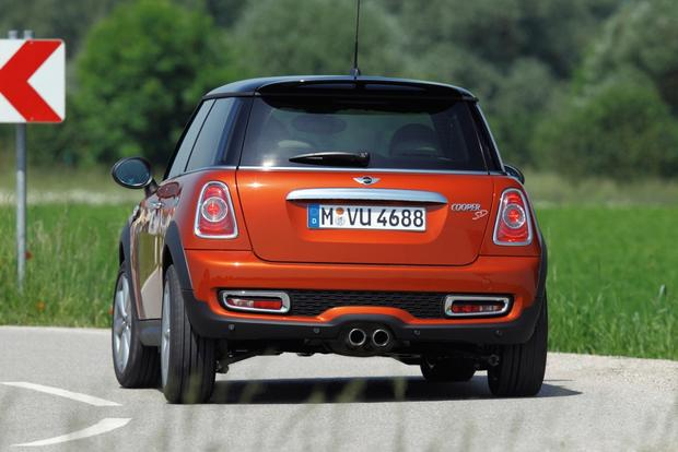 2013 Mini Cooper Hatchback and Convertible: New Car Review featured image large thumb4