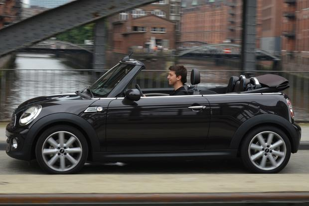 2015 Mini Cooper Convertible: New Car Review featured image large thumb2