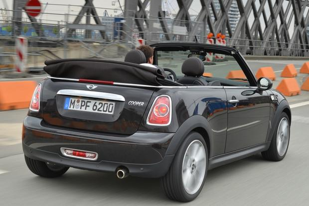 2015 mini cooper convertible new car review autotrader. Black Bedroom Furniture Sets. Home Design Ideas