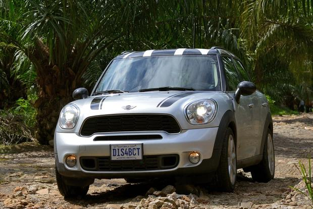 2013 Mini JCW Countryman: OEM featured image large thumb39